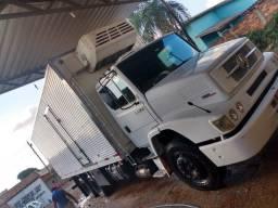 Caminhão MB 1620 2009 baú frigorífico