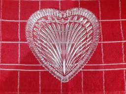 Petisqueira de Cristal em Formato de Coração- Varginha- MG (35) 98826- 5019 (Whatsapp)