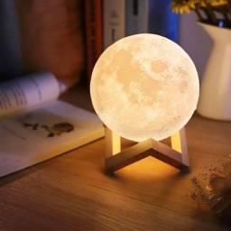 Lâmpada Umidificador em formato de lua.