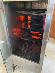 Máquina de assar frango ou carnes