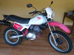 Moto xlx250