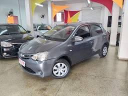 Toyota - Etios XS 1.5 Hatch Completo Impecavel