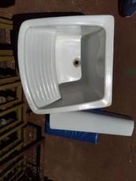 Tanque de porcelana.