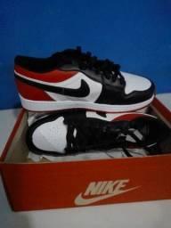 Tênis Nike Air Jordan 1 Low Tricolor