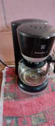 Vendo está cafeteira funcionando perfeitamente 45,00