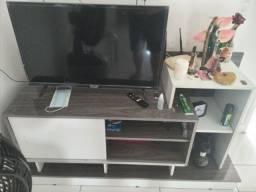 Vendo Rack e Televisão