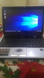 Notebook i3 com detalhes.