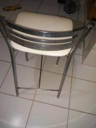 Cadeiras cromadas para cozinha