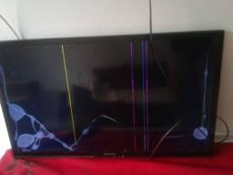 Vendo. Tv com defeito