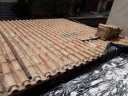Telhado colonial com estrutura de metalon