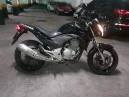 CB 300R ano 2011