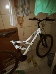 Bicicleta coll nova com pouco meses de uso toda boa para roda