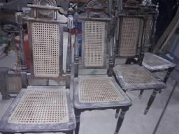 05 Cadeiras coloniais antigas