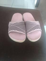 Vendo sandália Kenner bem conservada