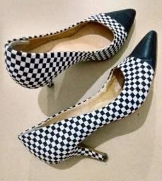 Sapatos Femininos (n. 34 e 35)