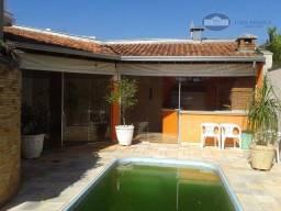 Casa com 3 dormitórios para alugar, 361 m² por R$ 2.800,00/mês - Aeroporto - Araçatuba/SP