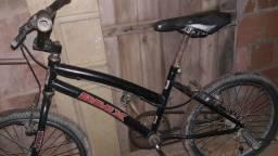 Vendo bicicleta barata  bom  estado .