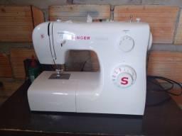 Máquina de costurar SINGER