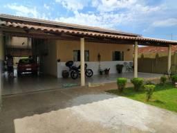 Vende se casa no Setor  Oeste Trindade Goiás