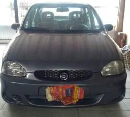 GM Corsa Sedam Super 16v - 2000