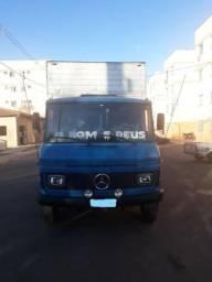 Mercedes 608 Baú
