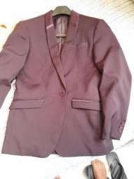 Blazer e calça social de marca Cia do terno, terno vinho