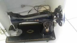 Vendo máquina singer antiga