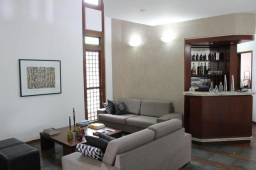 Oportunidade: Excelente casa 4 quartos, 2 salas, lareira, lavabo, piscina e ótima localiza