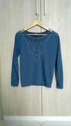 Suéter importado com detalhe de crochê