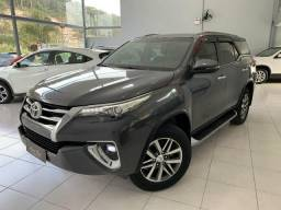 Toyota Hilux SW4 SRX 7 Lugares (Chumbo) - 2018