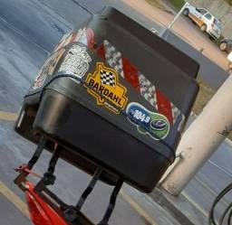 Caixa motoboy com suportes e trilho de distância