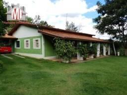 Excelente chácara em Pinhalzinho com escritura, 04 quartos, pomar, internet e linda vista
