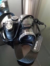 Máquina Fotográfica FujiFilm S 2800 HD