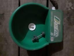 Bebedor de água para caes automatico