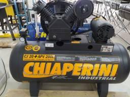 COMPRESSOR CHIAPERINI INDUSTRIAL TRIFÁSICO CJ 20+APV 200L