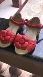 Sandálias da marca quebra nozes