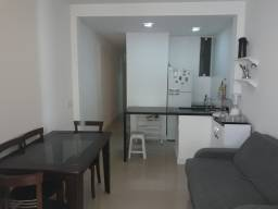 Excelente Apartamento Conjugado em Copacabana