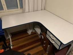 Mesa e Balcões para escritório
