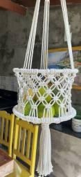 Fruteira suspensa em macramê