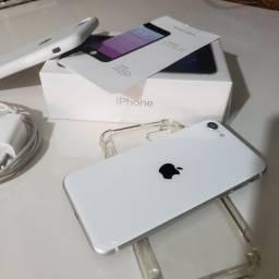 Vendo iPhone SE 2020 na garantia ainda