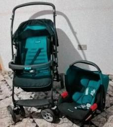 Vendo carrinho, bebê conforto e berço.