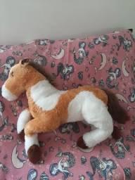 Cavalo de pelúcia