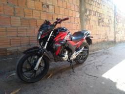 CB Twister 250, troco por moto maior,( leia descrição)