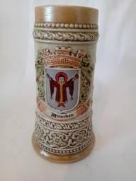 Caneca de chopp de ceramica