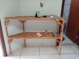 Aparador de bambu vazado (usado)