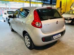 Fiat palio attractive 2014