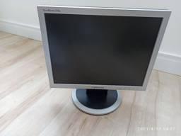 "Monitor Samsung SyncMaster 540n 15"" - LCD<br><br>"