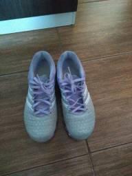 Tênis feminino Adidas 37