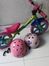 Bicicleta infantil semi nova para crianças peguenas