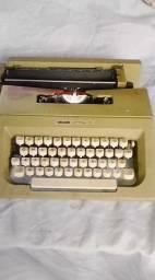 Máquina de escrever oliveett letterra 25